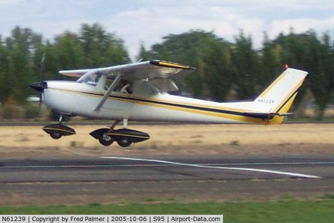 N61239, 1969 Cessna 150J C/N 15070911, Tim's first solo landing