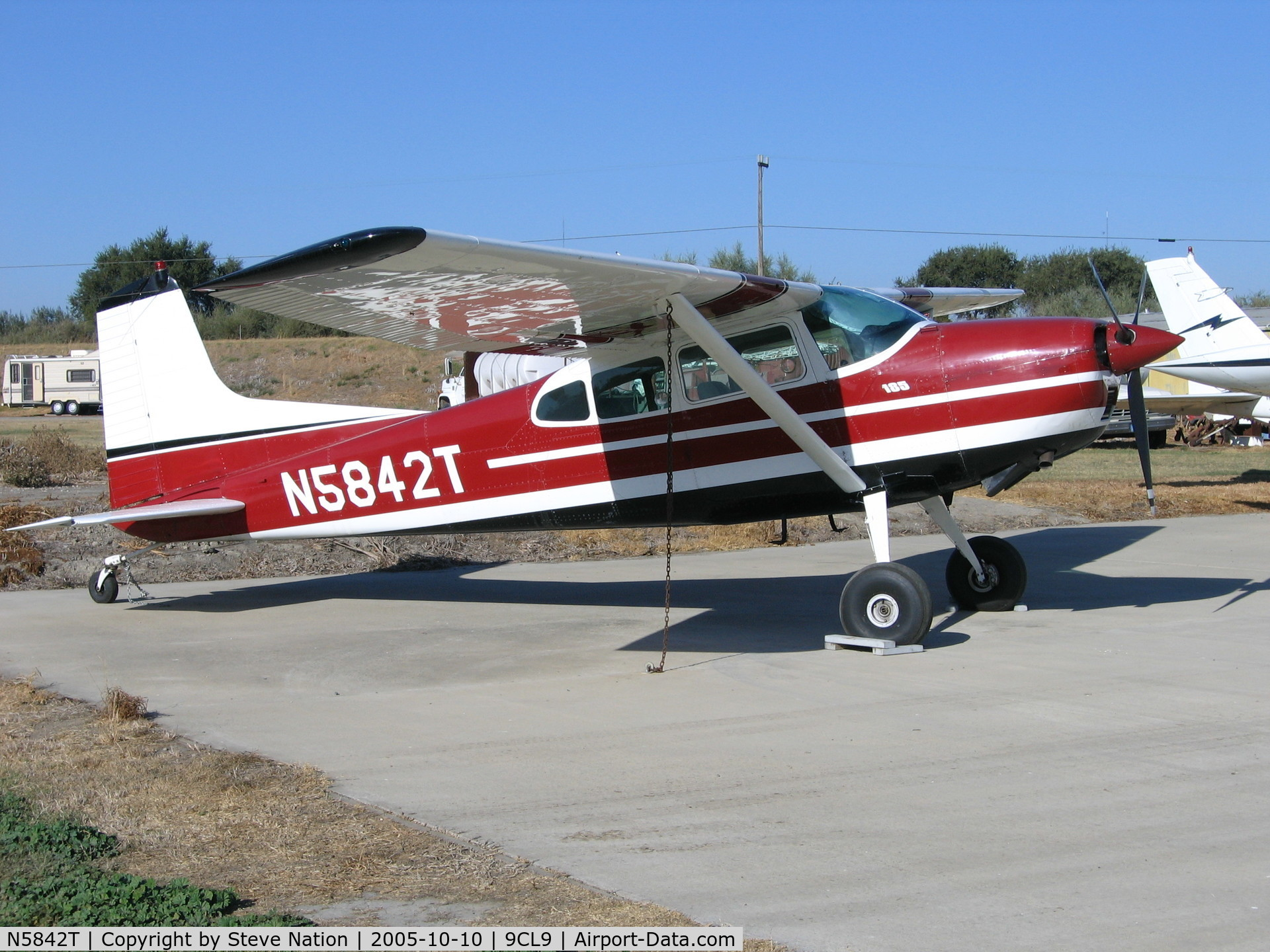N5842T, 1964 Cessna 185C Skywagon C/N 185-0742, 1964 Cessna 185C at Spezia Airport, Walnut Grove, CA