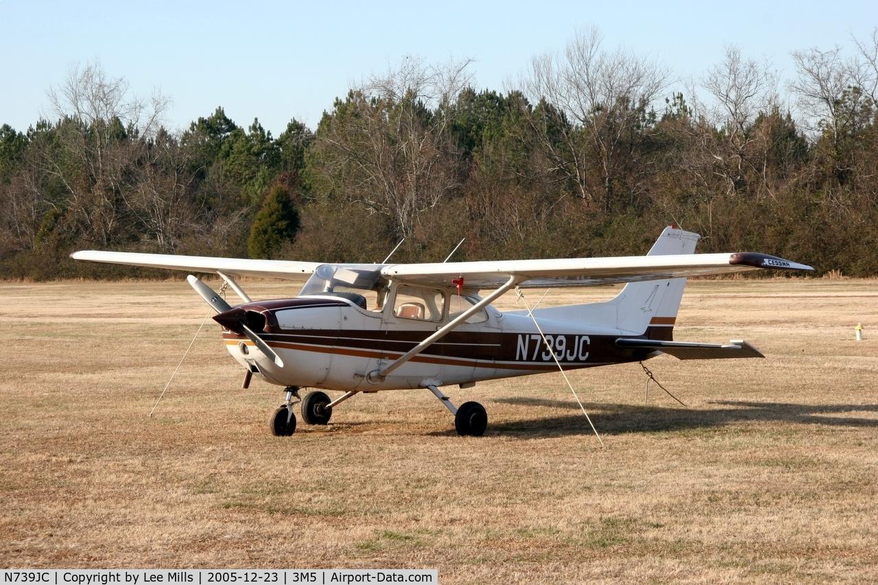 N739JC, 1978 Cessna 172N Skyhawk C/N 17270571, Sitting on the ramp at Moontown
