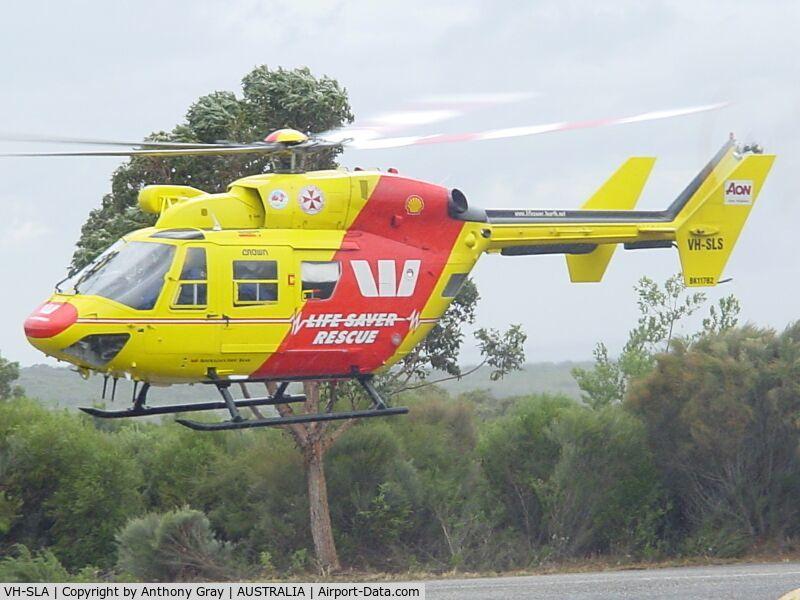 VH-SLA, 1990 MBB-Kawasaki BK-117B-2 C/N 1048, Lifesaver 1 airbourne to St George Hospital