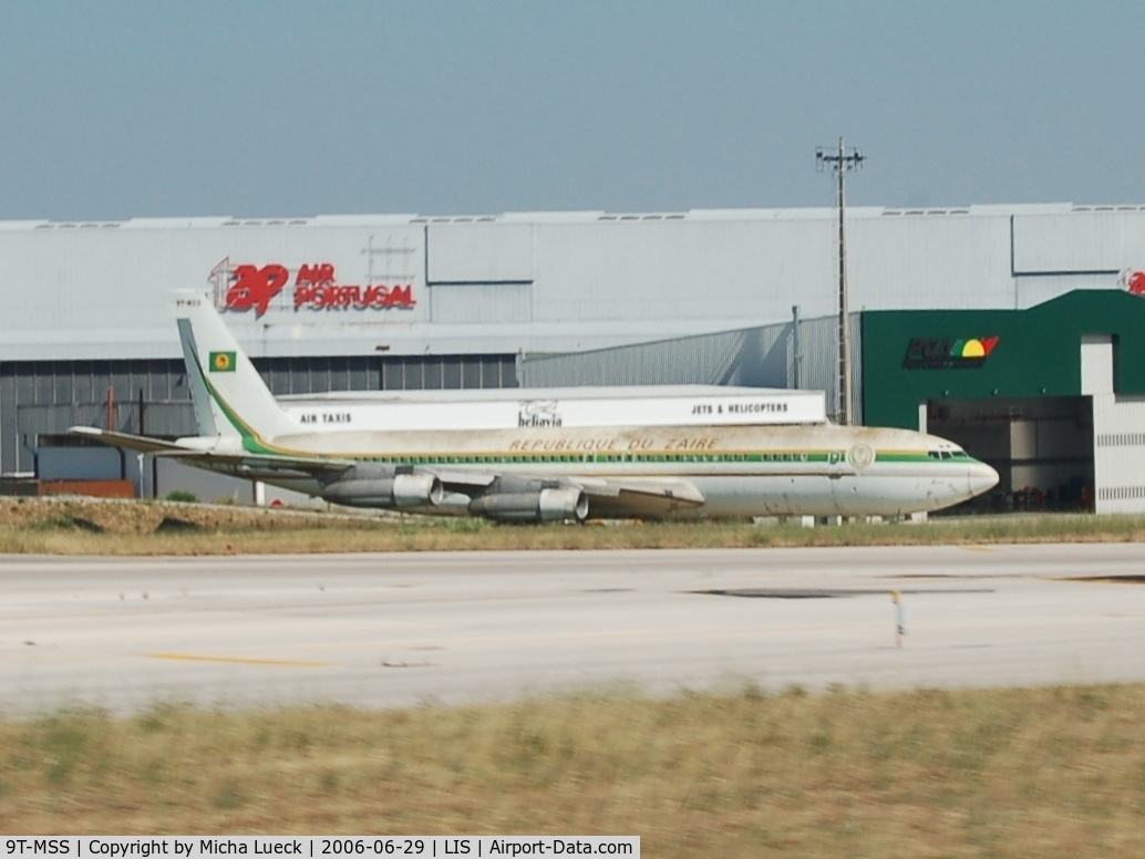 9T-MSS, 1968 Boeing 707-382B C/N 19969, Old B 707 of the Zaire Government, parked at Lisbon airport for a long time (since 1995)