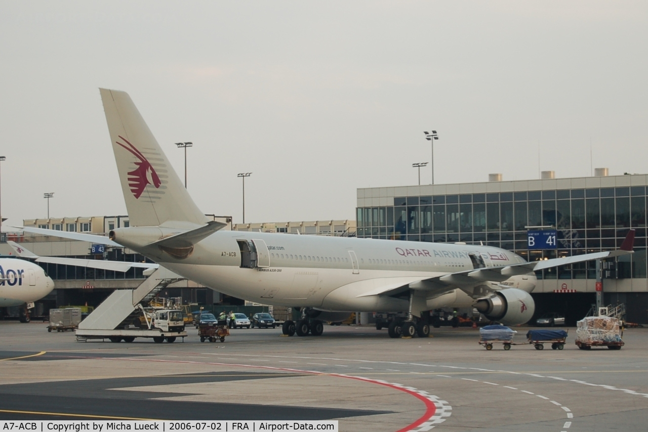A7-ACB, 2002 Airbus A330-203 C/N 489, Qatar is one of the Middle East shooting stars in the skies