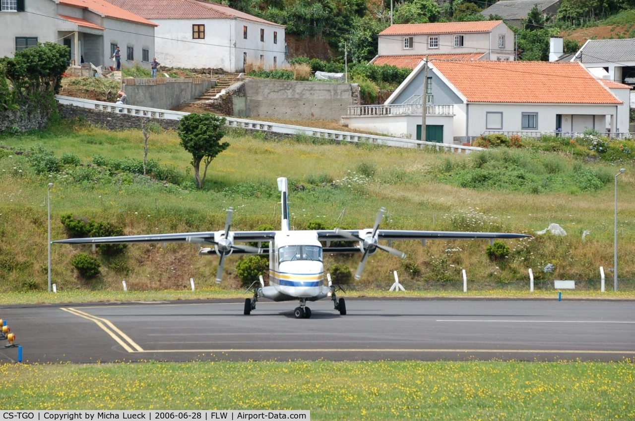 CS-TGO, 1987 Dornier 228-201 C/N 8119, Turning at the end of the runway for the take-off run