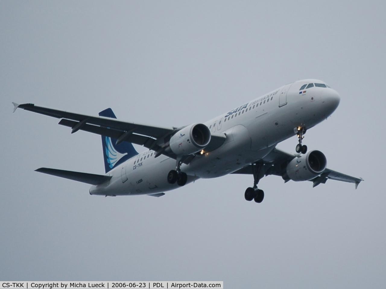 CS-TKK, 2005 Airbus A320-214 C/N 2390, On finals at Ponta Delgada/Azores