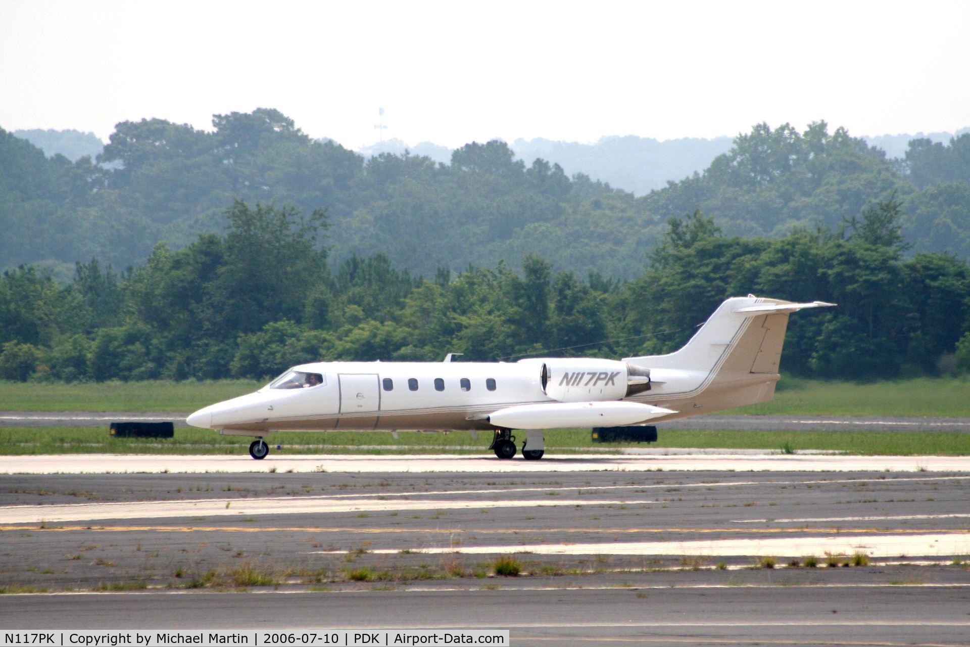 N117PK, Learjet 35A C/N 35A-513, Departing 2L