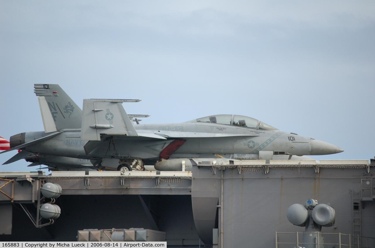165883, Boeing F/A-18F Super Hornet C/N F043, Hornet (101) on the Kitty Hawk in Fremantle, Australia