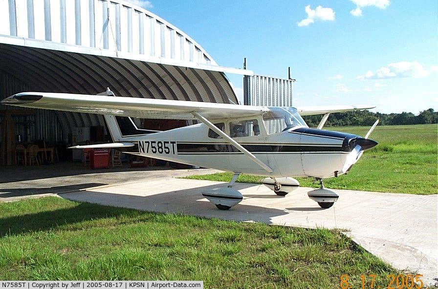 N7585T, 1959 Cessna 172A Skyhawk C/N 47185, N7585T at Palestine Municipal Airport  -- Palestine, Texas