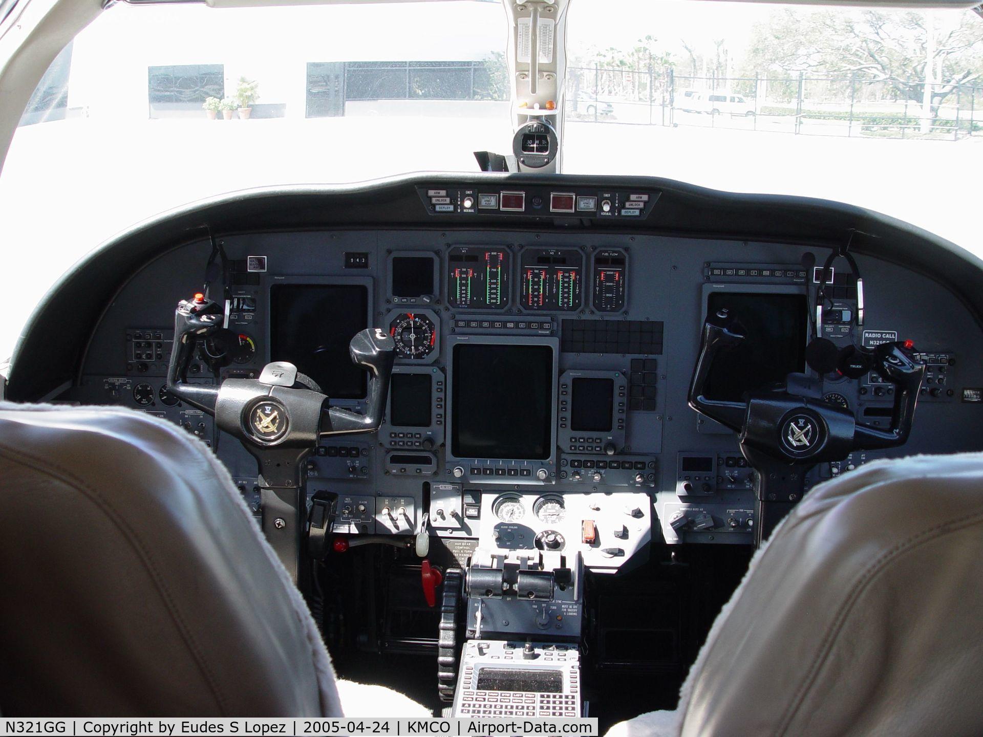 N321GG, 1998 Cessna 560 Citation Ultra C/N 560-0474, COCKPIT