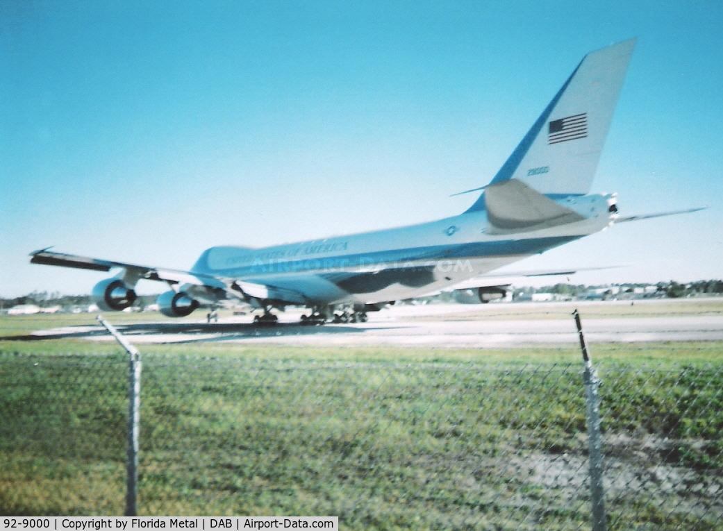 92-9000, 1987 Boeing VC-25A C/N 23825, Air Force One at Daytona