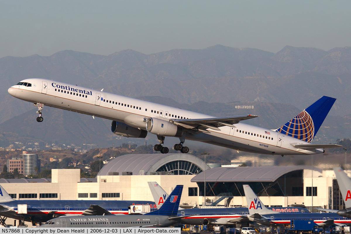 N57868, 2002 Boeing 757-33N C/N 32590, Continental Airlines N57868 (FLT COA594) departing RWY 25R enroute to George Bush Intercontinental Houston (KIAH).