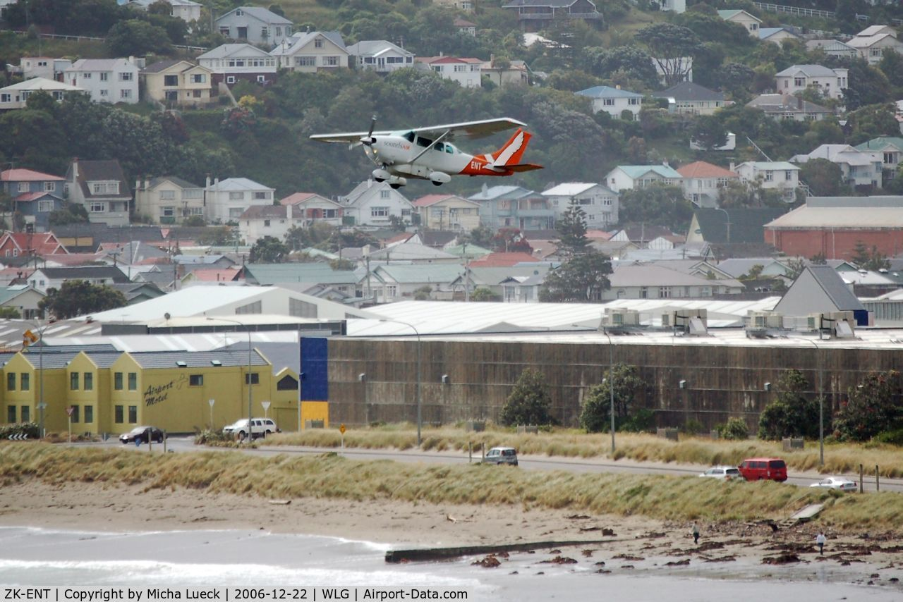 ZK-ENT, Cessna U206G Stationair C/N U20603667, Climbing out of Wellington