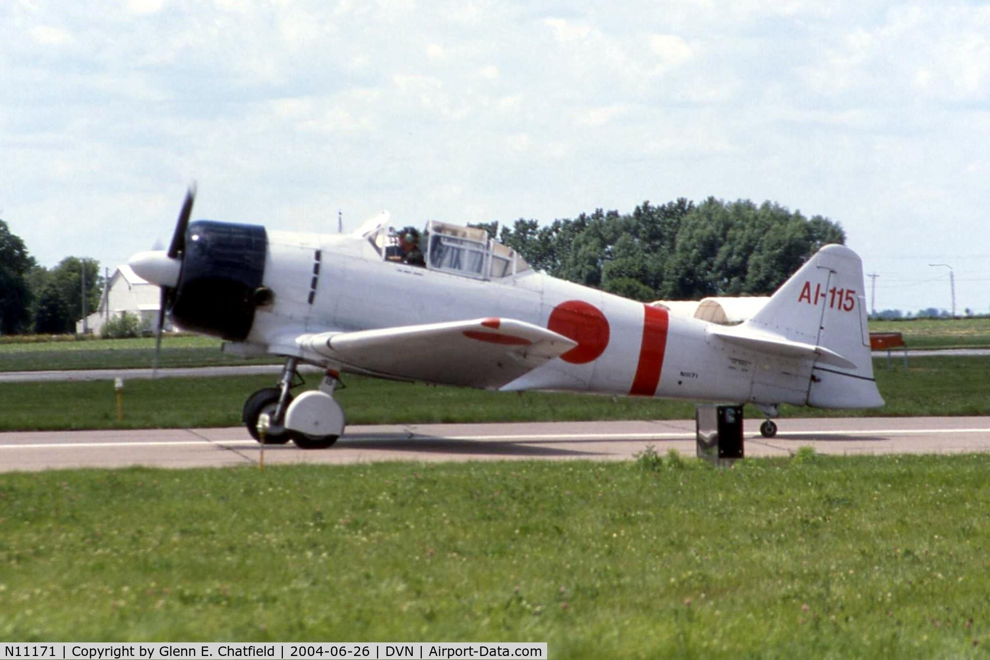 N11171, 1942 North American AT-6B Texan C/N 84-7800, At the Quad Cities Airshow, AT-6B 41-17422