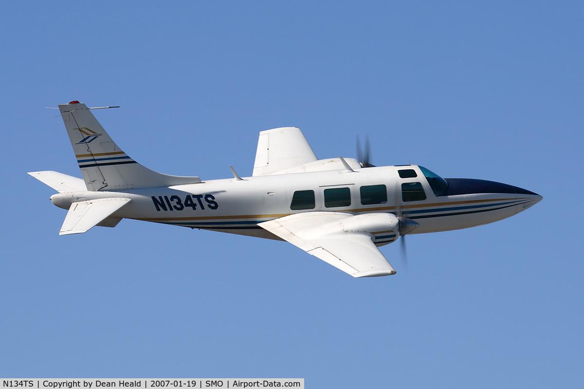 N134TS, 1973 Smith Aerostar 601 C/N 61-0134-072, The pilot of this Smith Aerostar 601 gave me a nice