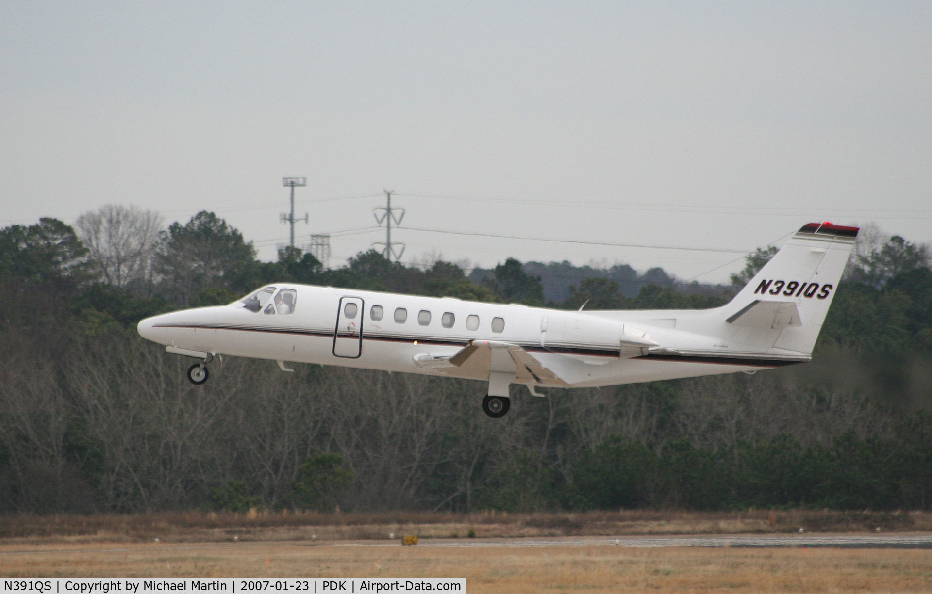N391QS, 1998 Cessna 560 C/N 560-0493, Taking off from Runway 2R