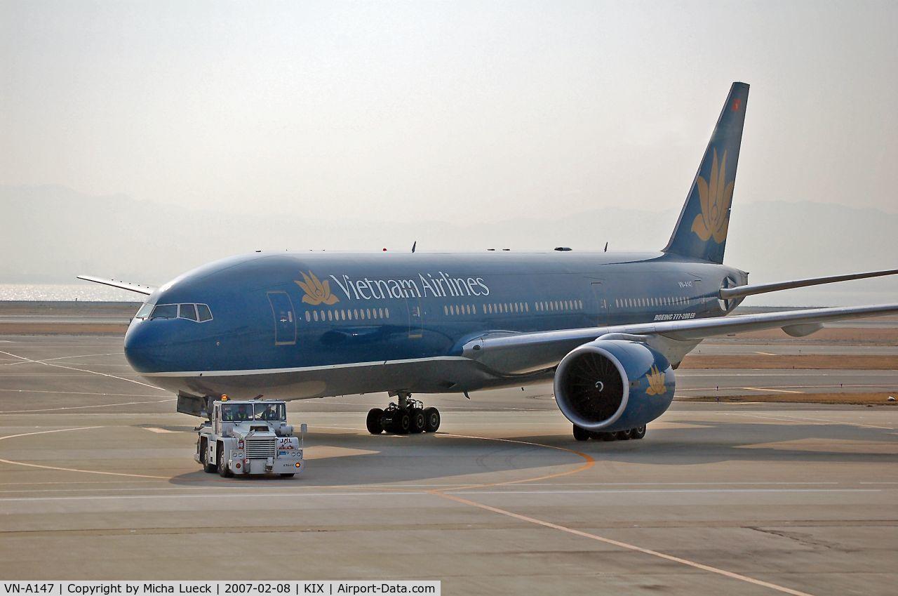 VN-A147, 1998 Boeing 777-2Q8/ER C/N 27607, At Kansai