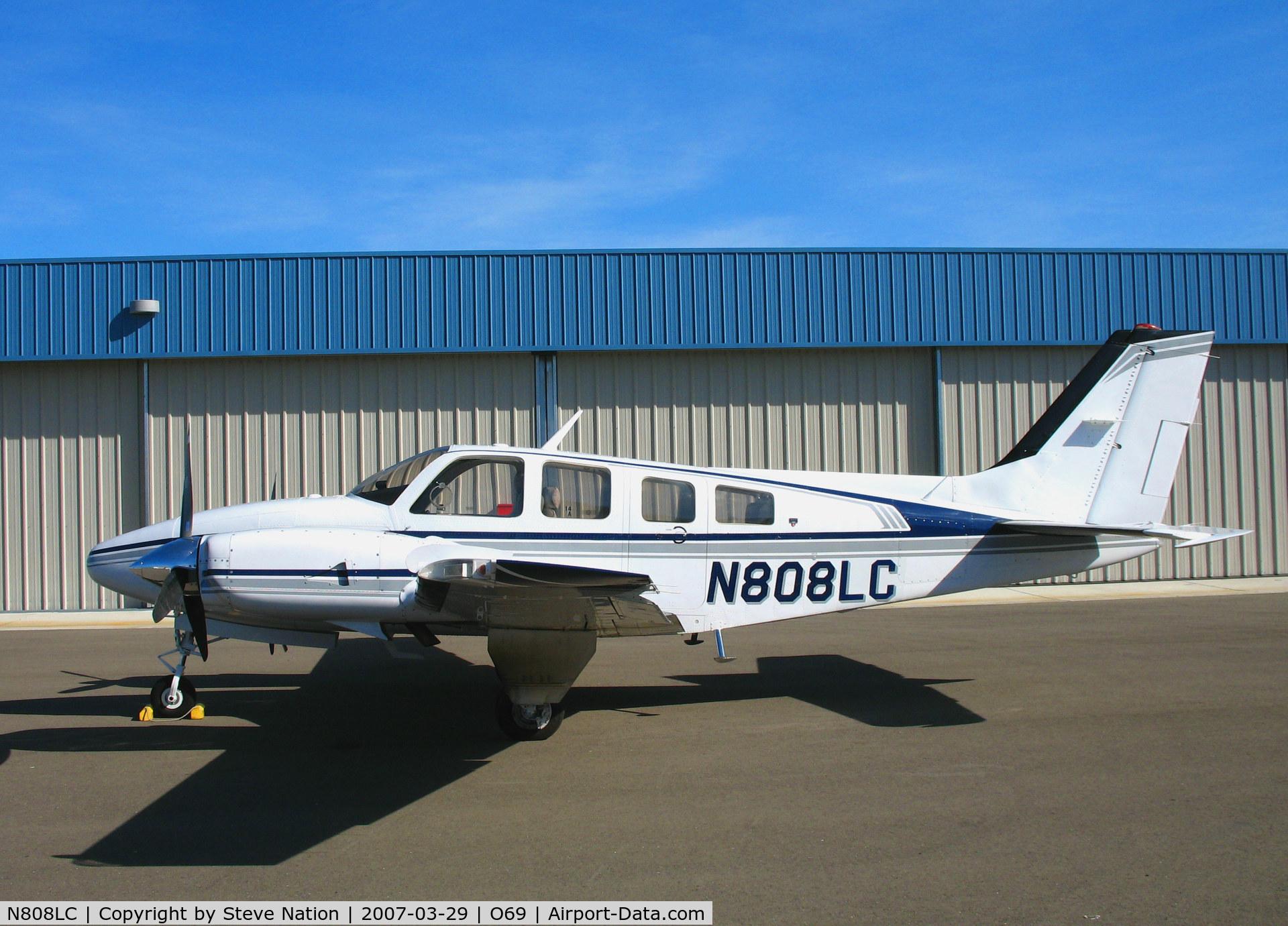 N808LC, 1980 Beech 58P Baron C/N TJ-319, 1980 Beech 58P @ Petaluma, CA