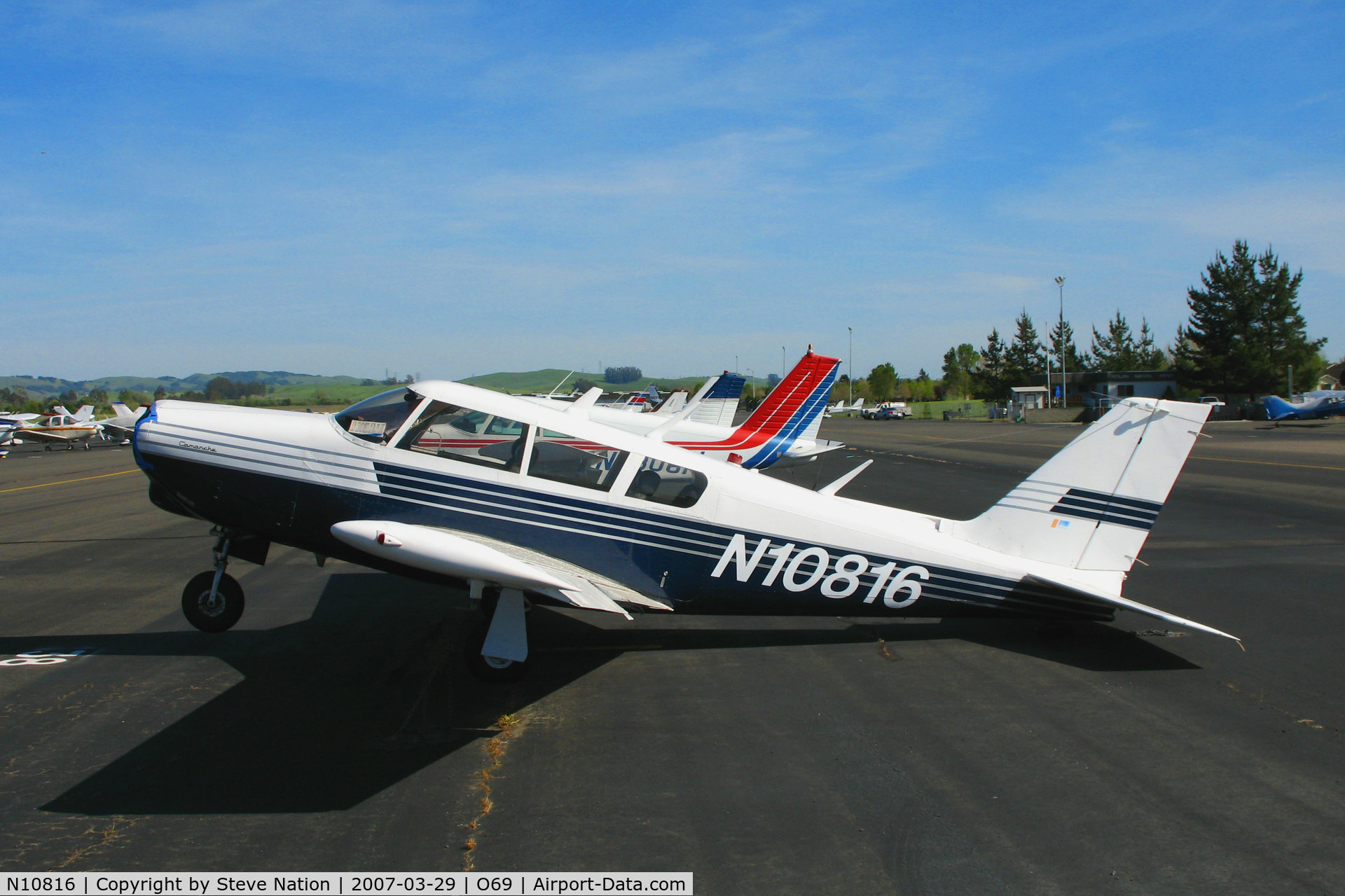 N10816, 1968 Piper PA-24-260 C/N 24-4753, 1968 Piper PA-24-260 resting on its tail @ Petaluma, CA