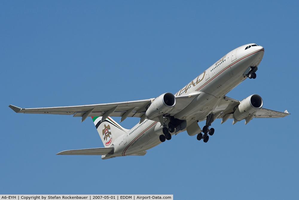 A6-EYH, 2006 Airbus A330-243 C/N 729, Etihad A330.