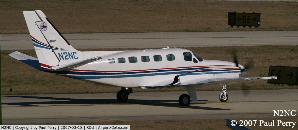 N2NC, 2007 Hawker Beechcraft C90GTI King Air C/N LJ-1855, Taxiing