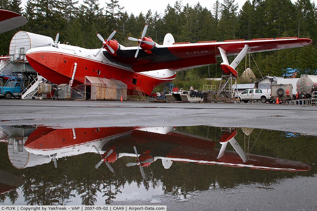 C-FLYK, 1945 Martin JRM-3 Mars C/N 76820, Martin Mars - reflection