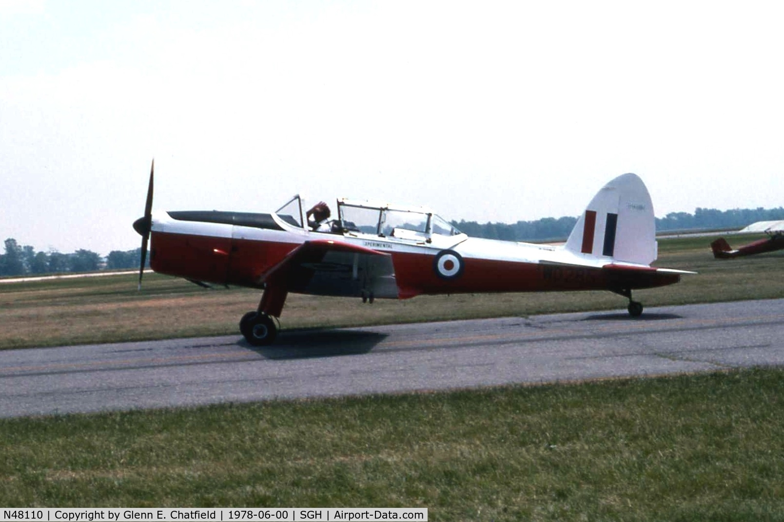 N48110, 1952 De Havilland DHC-1 Chipmunk T.10 C/N C1/0224, Taxiing out for the airshow