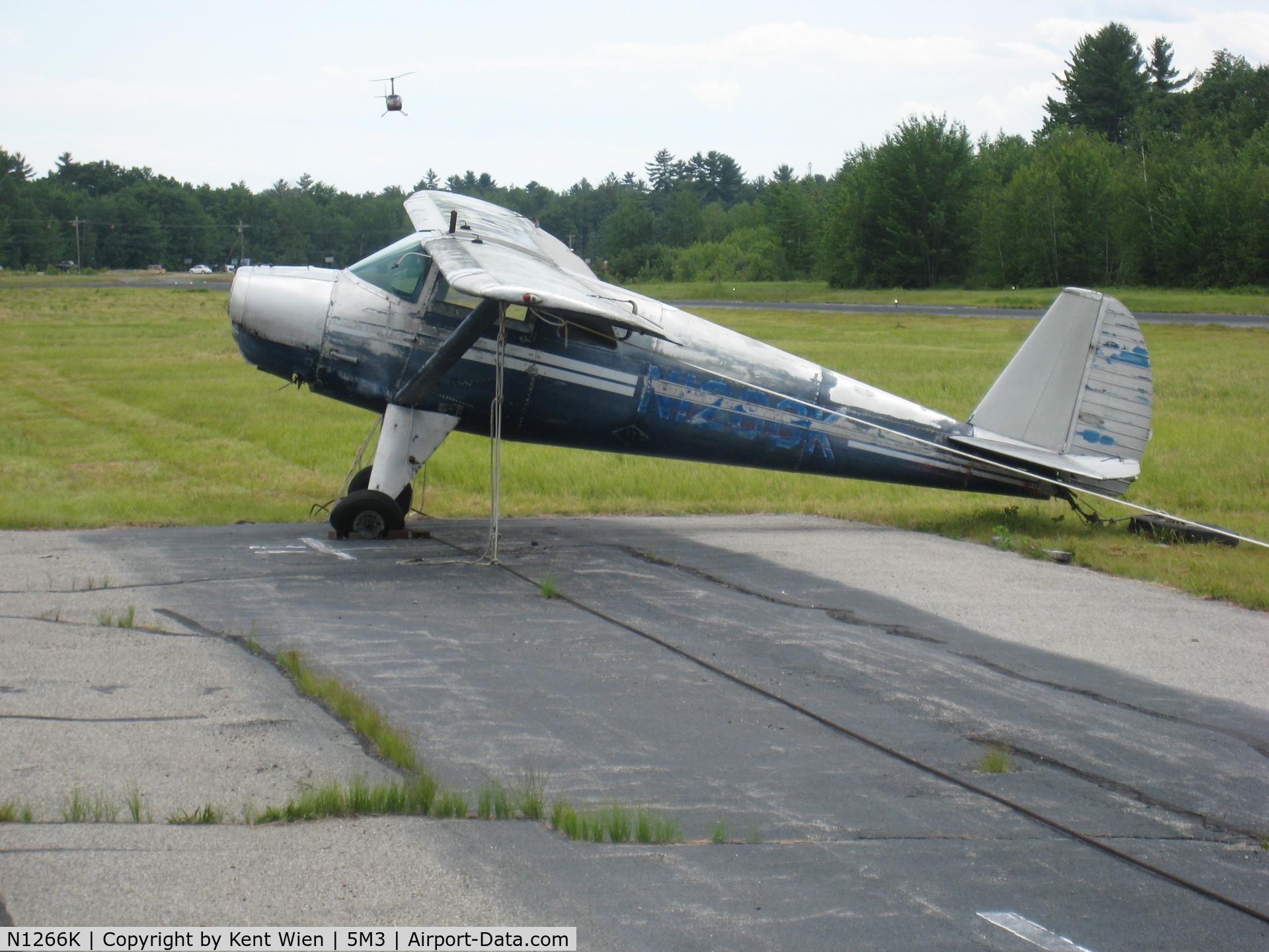 N1266K, 1946 Luscombe 8E Silvaire C/N 3993, Not looking good at Moultonboro airport
