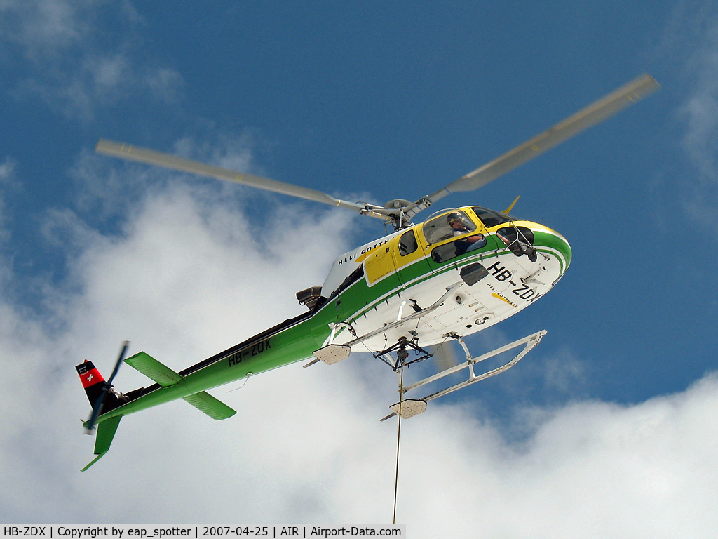 HB-ZDX, 2002 Eurocopter AS-350B-3 Ecureuil C/N 3553, Airworks in Swiss Mountains