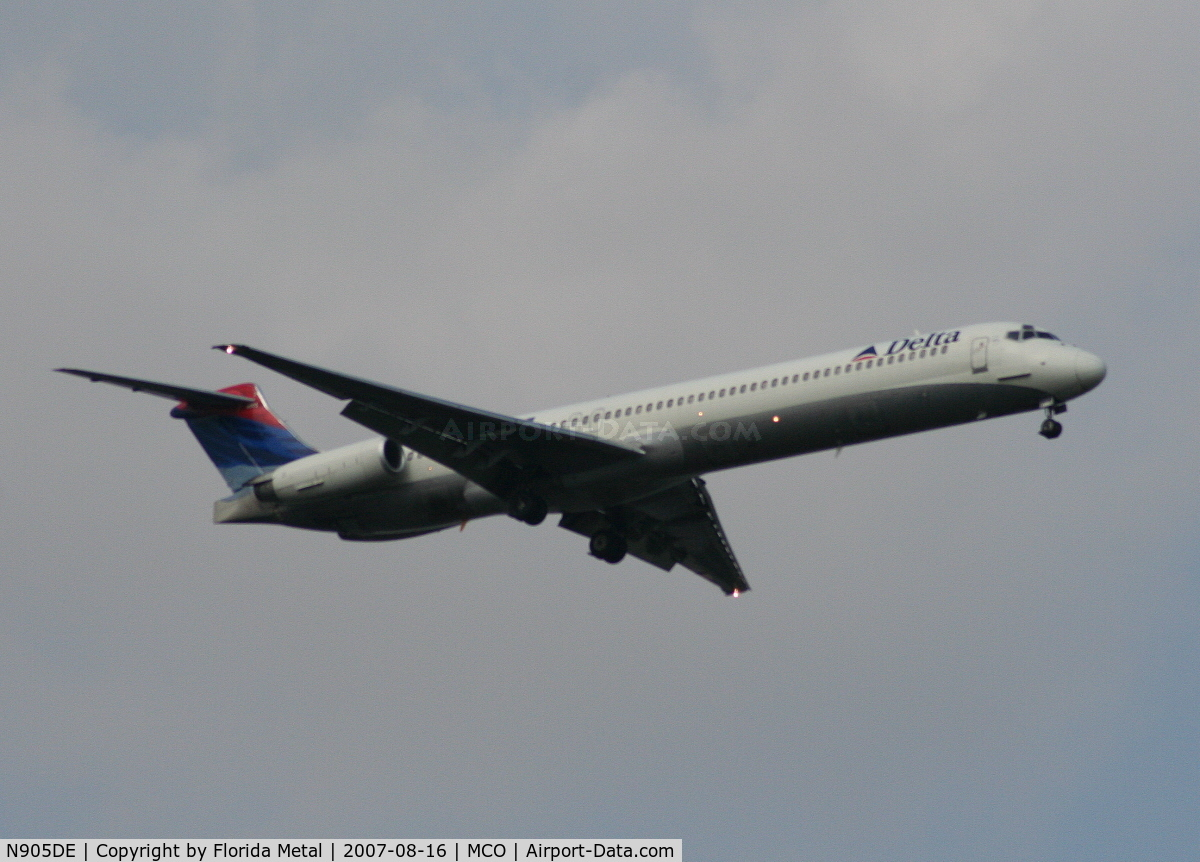 N905DE, 1992 McDonnell Douglas MD-88 C/N 53410, Delta