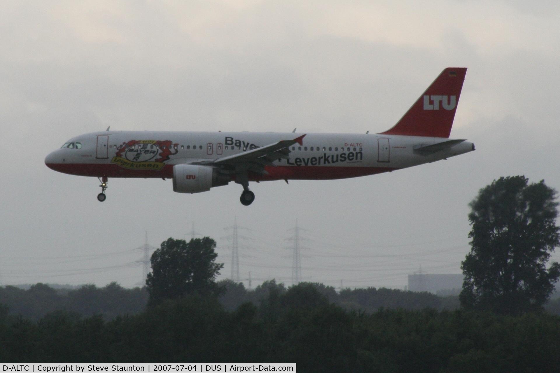 D-ALTC, 2001 Airbus A320-214 C/N 1441, Taken at Dusseldorf July 2007