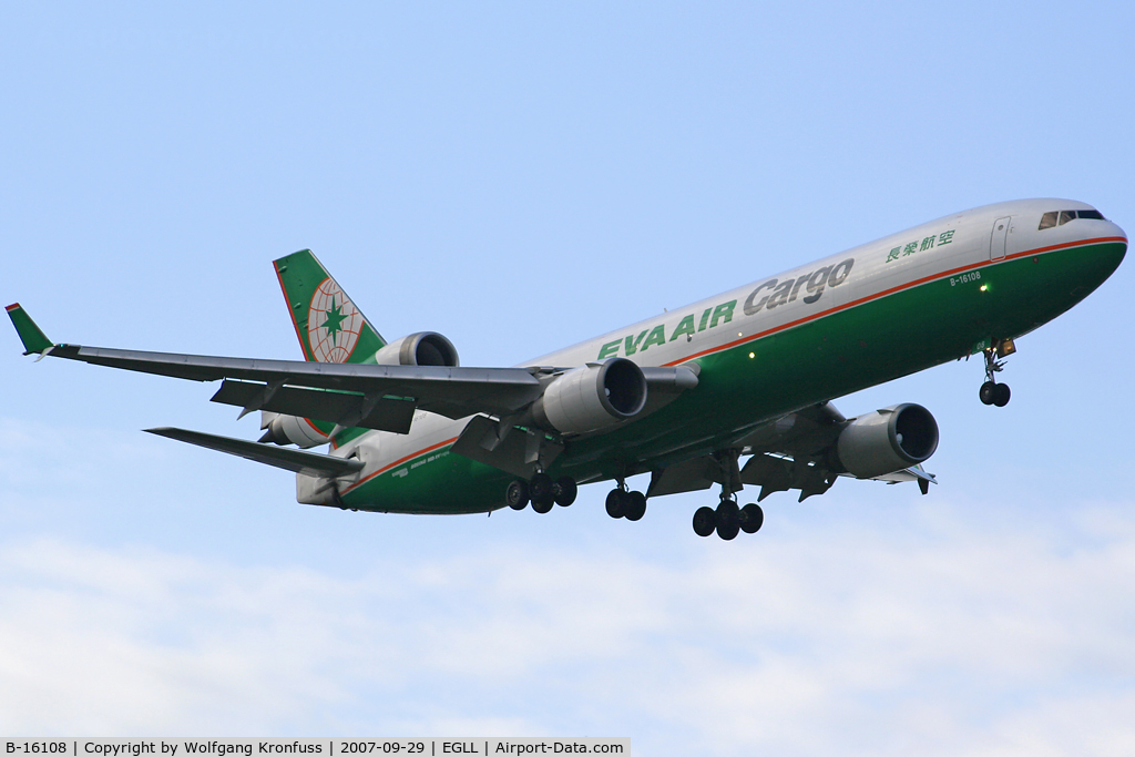 B-16108, McDonnell Douglas MD-11F C/N 48778, nice Tri-Jet on final RWY09L