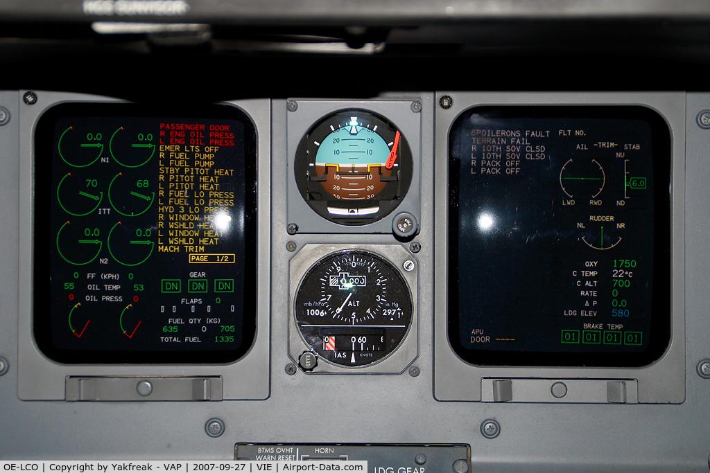 OE-LCO, 2000 Canadair CRJ-200LR (CL-600-2B19) C/N 7371, Austrian Arrows Canadair Regionaljet