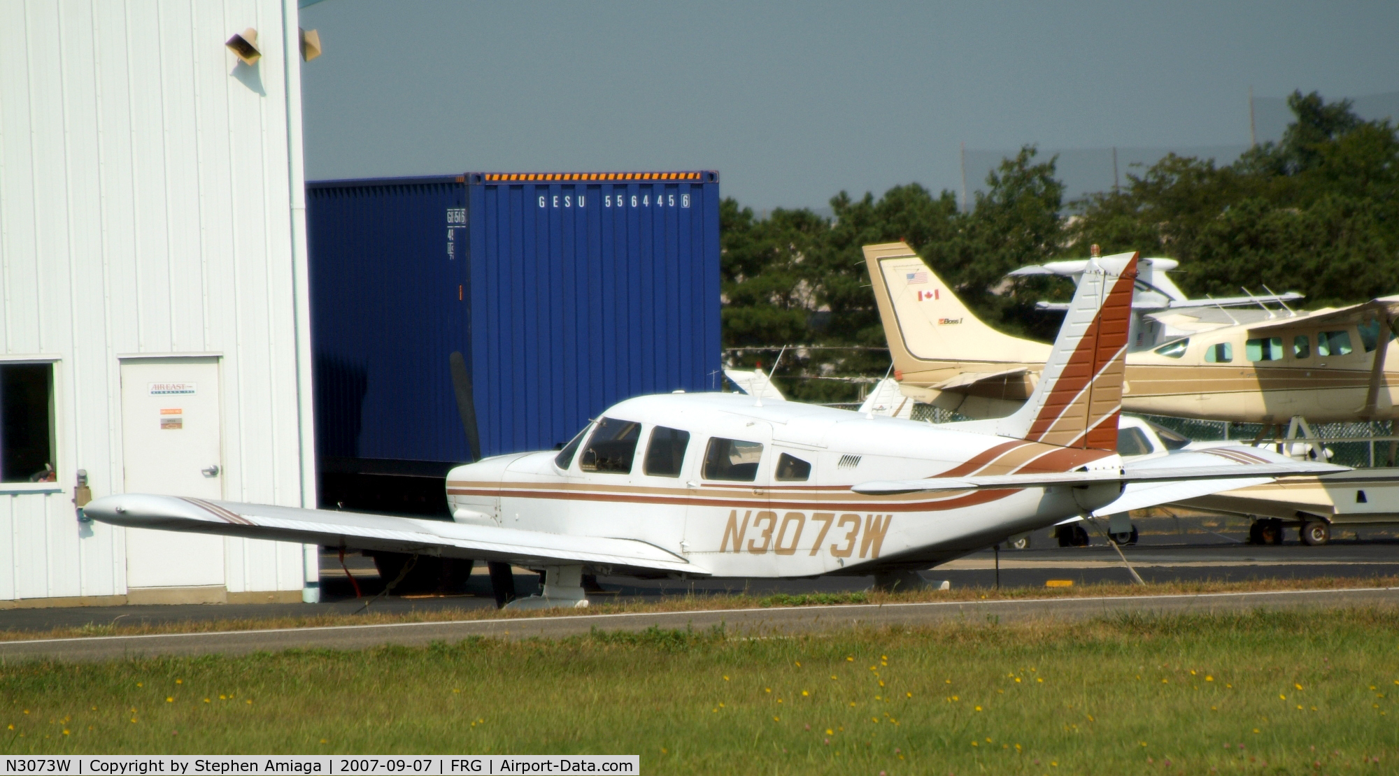 N3073W, 1979 Piper PA-32-300 Cherokee Six C/N 32-7940081, C-Six on the ramp