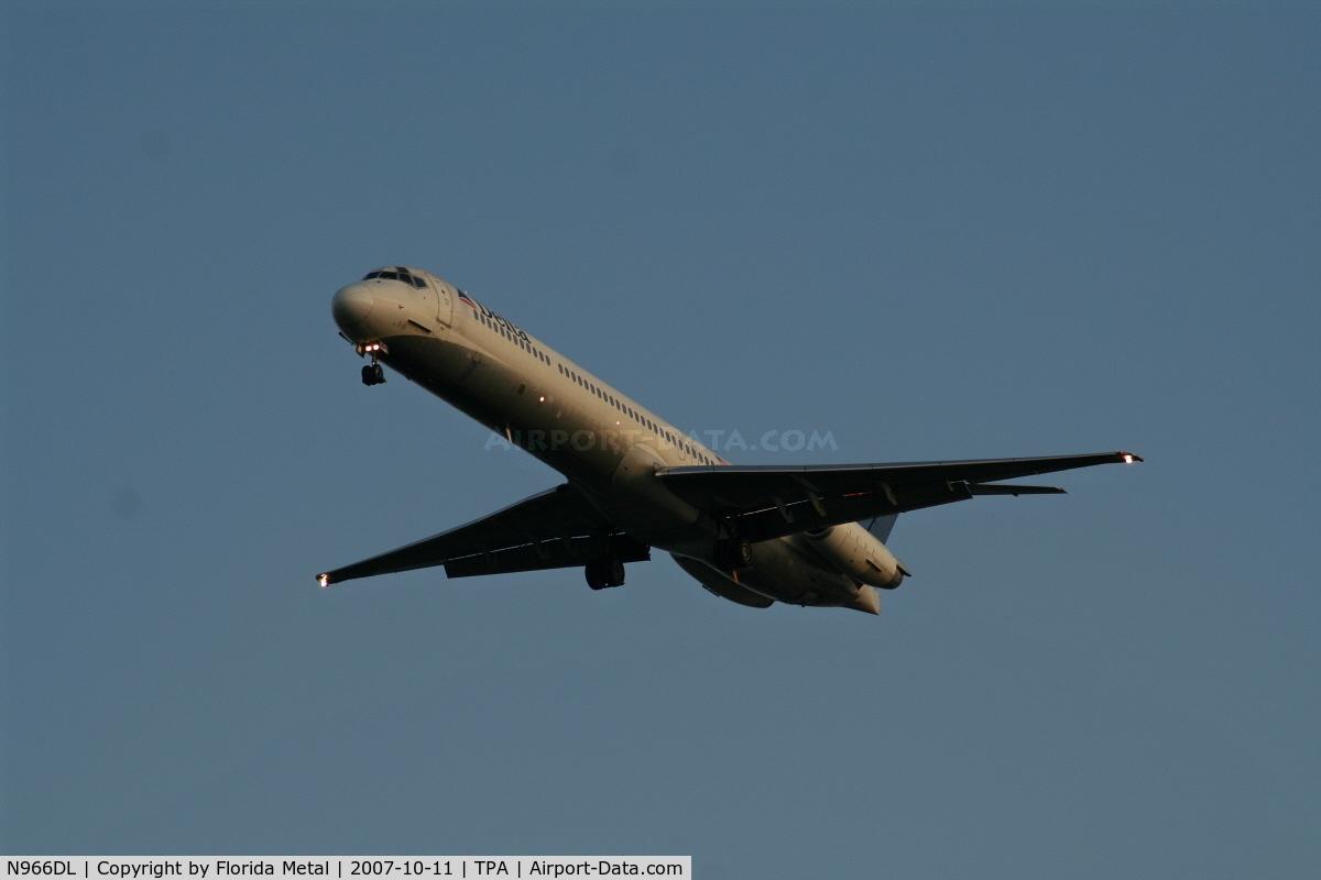 N966DL, 1990 McDonnell Douglas MD-88 C/N 53115, Delta