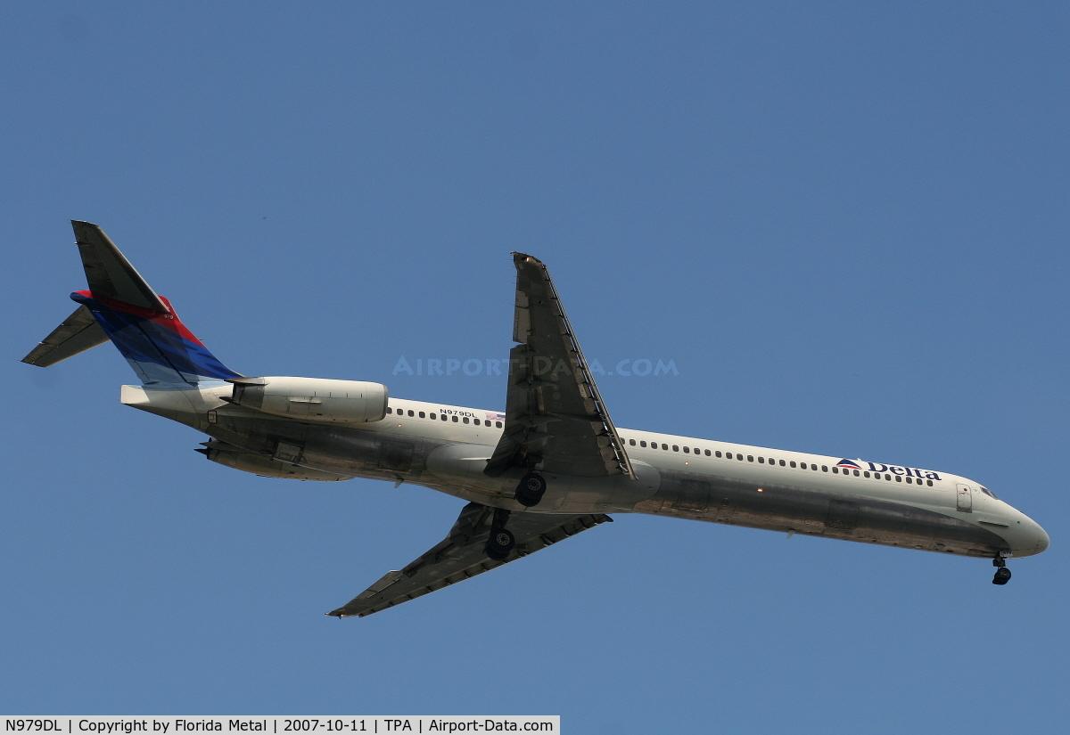 N979DL, 1991 McDonnell Douglas MD-88 C/N 53266, Delta