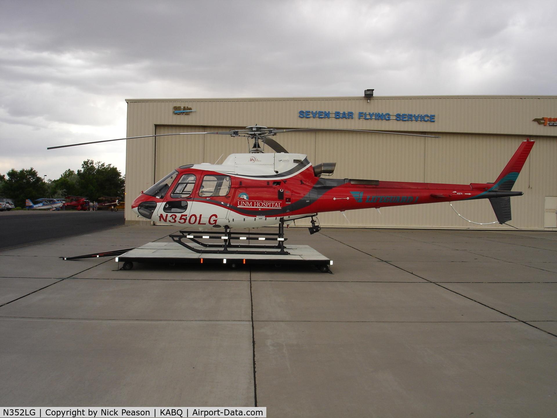 N352LG, Eurocopter AS-350B-3 Ecureuil C/N 3777, PHI Eurocopter AS-350B3