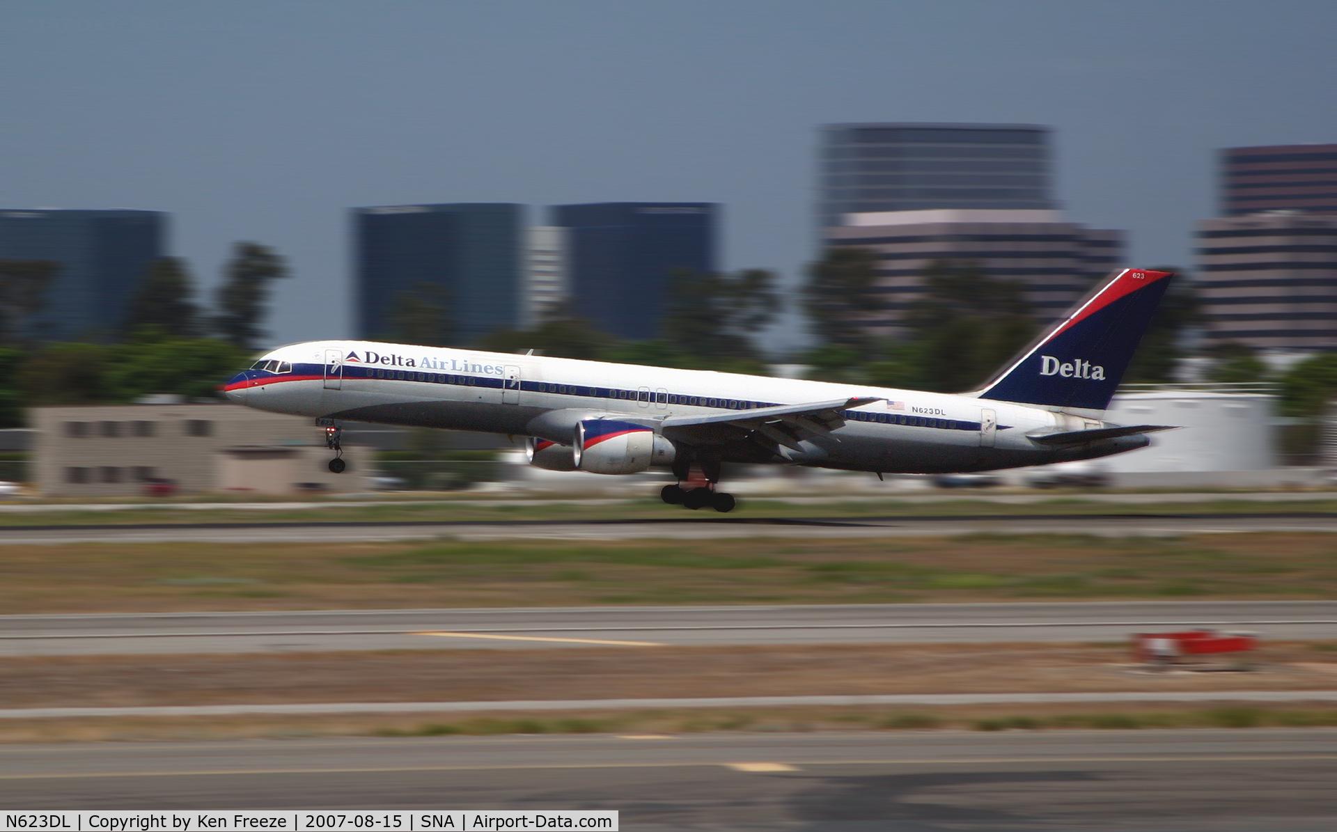 N623DL, 1987 Boeing 757-232 C/N 22913, 757 landing at John Wayne Airport