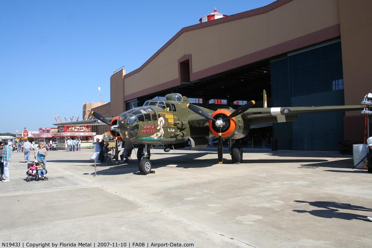 N1943J, 1943 North American B-25N Mitchell C/N 108-35072, Apache Princess