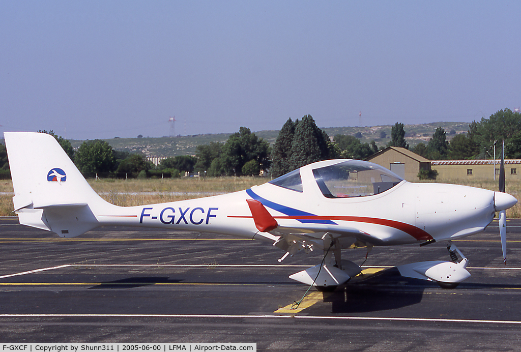 F-GXCF, Aquila A210 (AT01) C/N AT01-127, Parked at the airfield