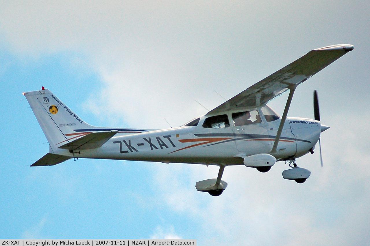 ZK-XAT, Cessna 172R Skyhawk C/N 17281262, Climbing out of Ardmore
