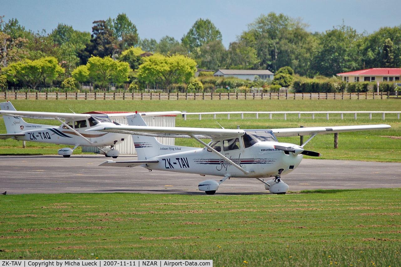 ZK-TAV, Cessna 172R Skyhawk C/N 17280654, ZK-TAV and ZK-TAQ of Ardmore Flying School
