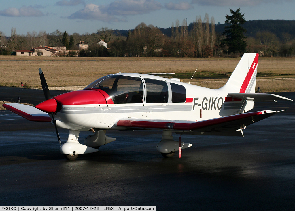 F-GIKO, Robin DR-400-120 C/N 1947, Parked at the airport