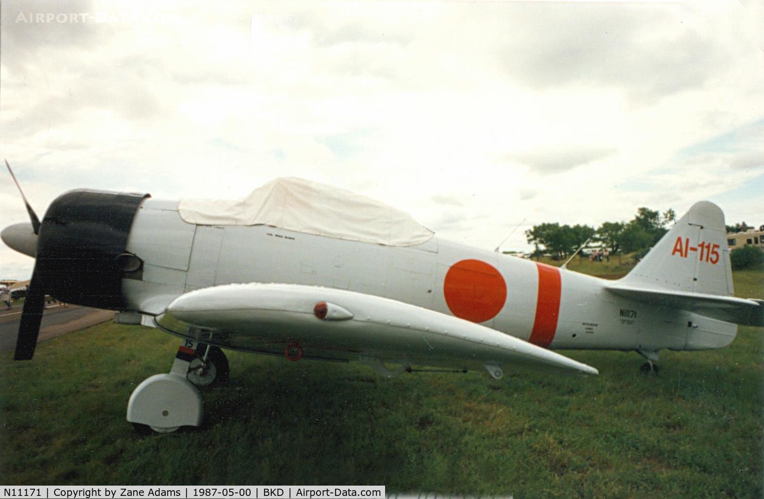 N11171, 1942 North American AT-6B Texan C/N 84-7800, Tora Zero Replica at Breckenridge