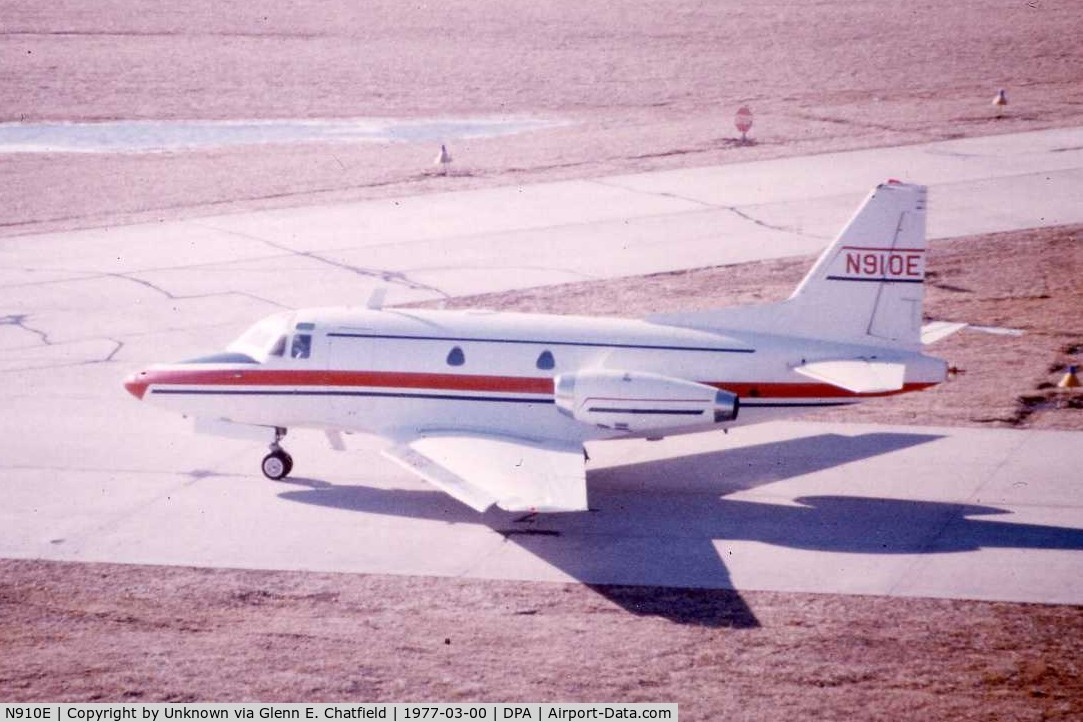 N910E, 1965 North American NA-265-40 Sabreliner C/N 282-29, Photo found at DuPage Tower. Old Saberliner in the paint job it had back then.