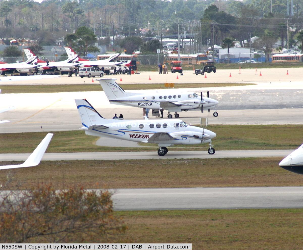 N550SW, Raytheon Aircraft Company C90A C/N LJ-1700, C90A