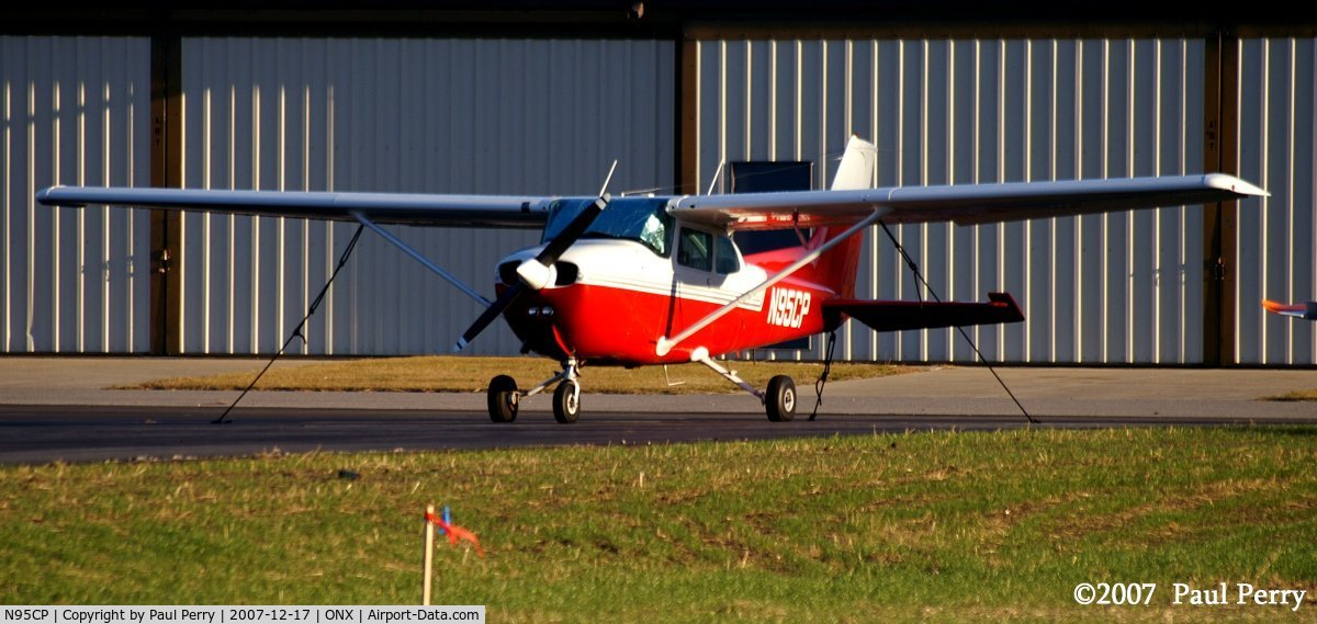 N95CP, 1976 Cessna 172M Skyhawk C/N 17265896, Familiar colors, and bright too