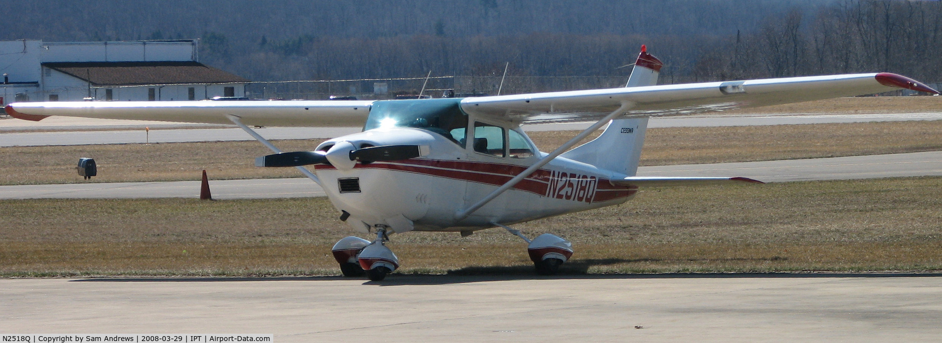 N2518Q, 1966 Cessna 182K Skylane C/N 18257718, IN town for something!  I don't know what.