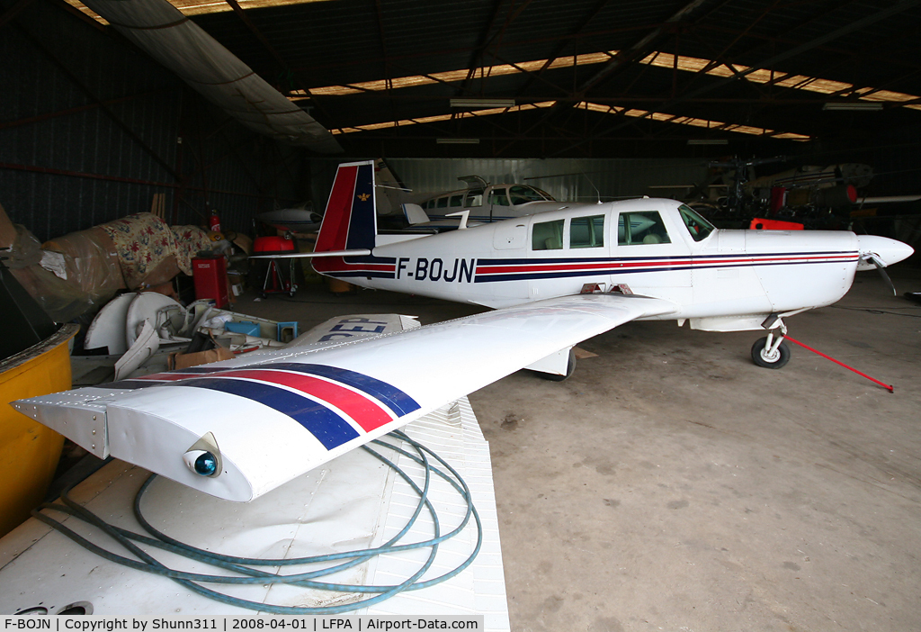 F-BOJN, 1967 Mooney M20F Executive C/N 670026, Inside another maintenance hangar...