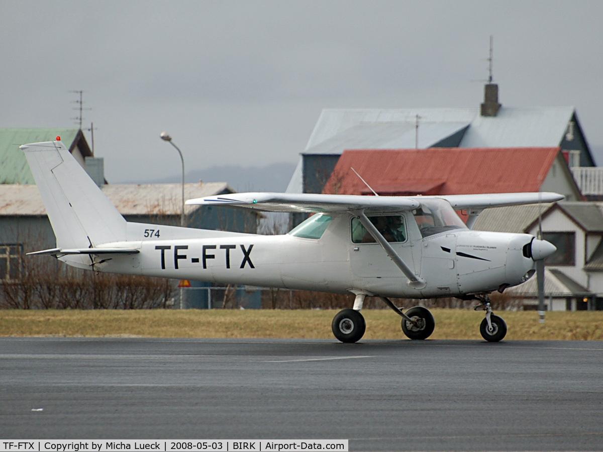 TF-FTX, Cessna 152 C/N 15283296, In Reykjavik