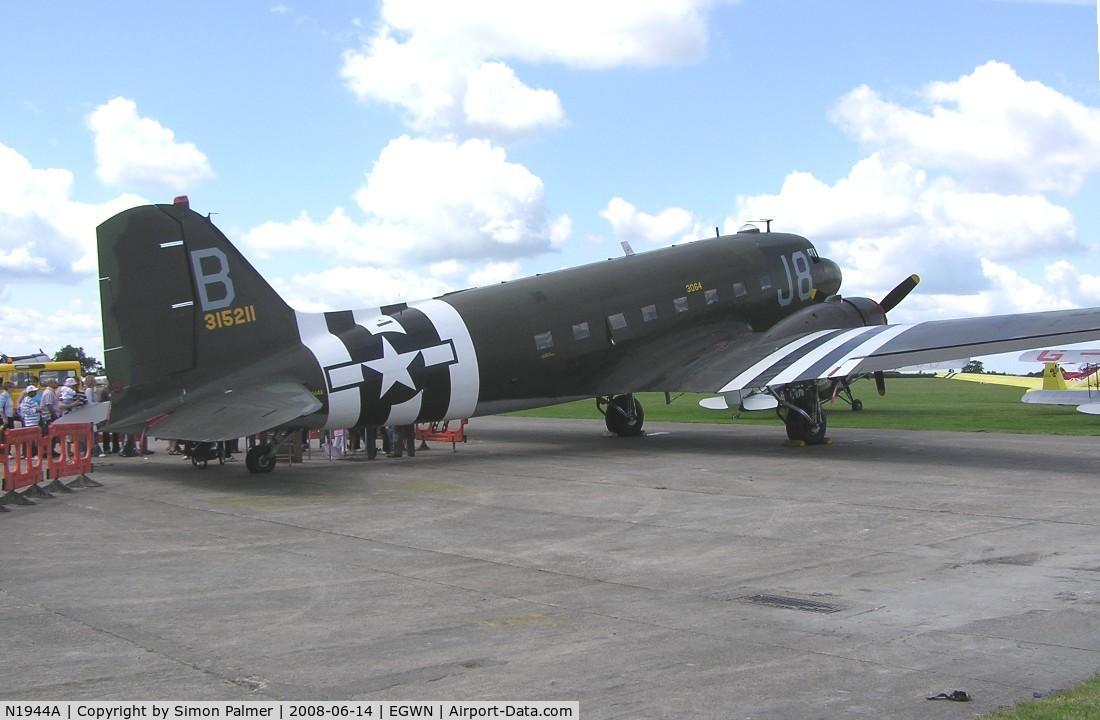 N1944A, 1944 Douglas DC3C-S1C3G C/N 19677, DC-3 at Halton