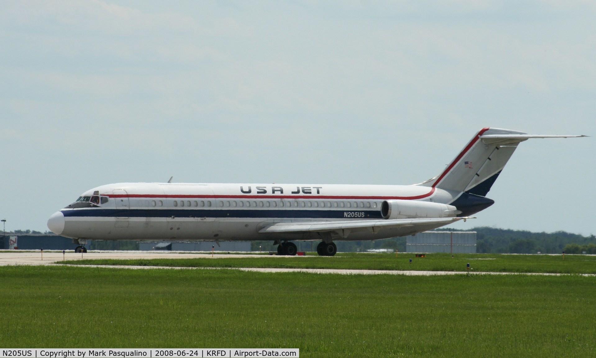 N205US, 1976 McDonnell Douglas DC-9-32F C/N 47690, DC-9-32F